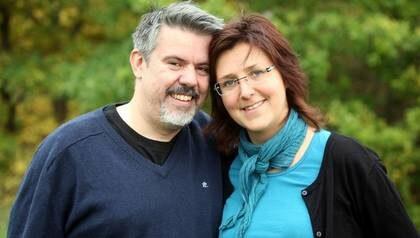 I balans. Äkta paret Mattias och Camilla Fernström blev hjälpta av kraniosakral terapi efter Mattias svåra bilolycka.