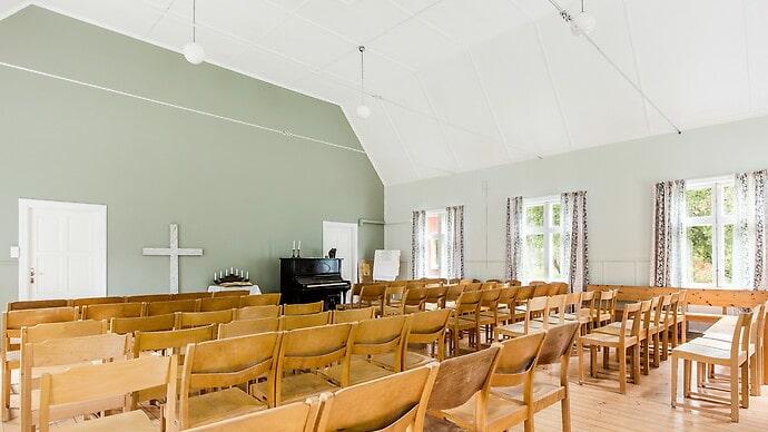 Fastigheten har hittills använts som kyrka och som föreningsverksamhet.