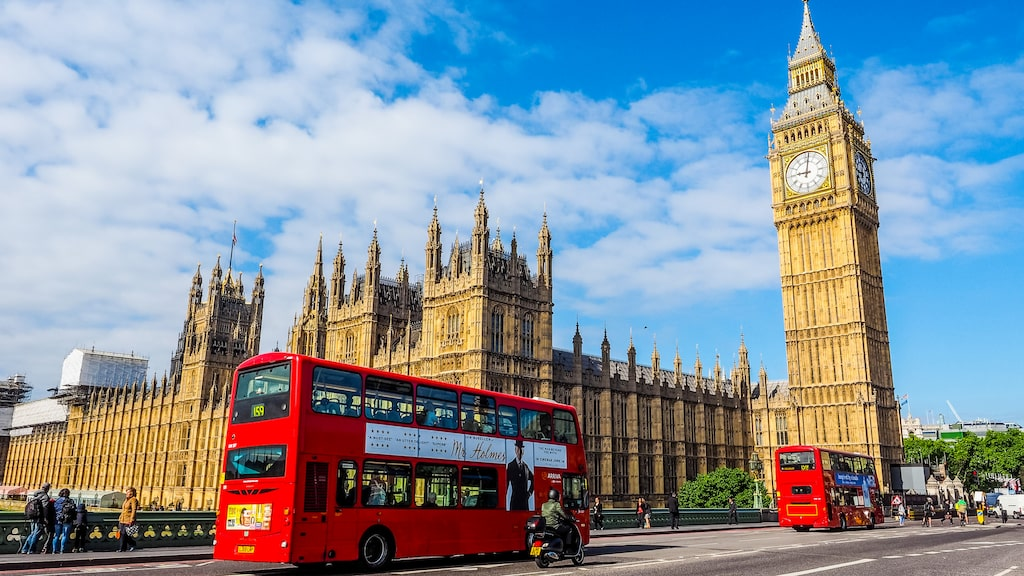 Favoriten London mister förstaplatsen men är fortfarande mycket populär.