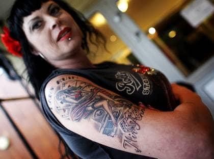 Blod svett och n lar p tattoo expo kv llsposten for Tattoo convention pa