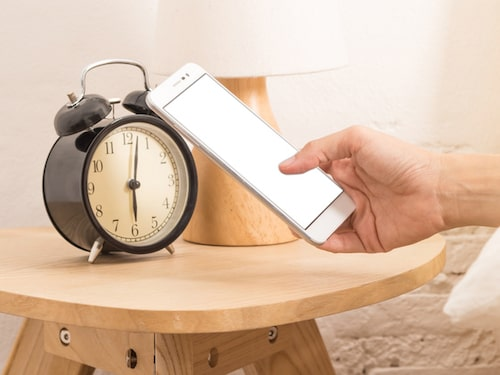 Dags att ersätta mobilen med en väckarklocka!
