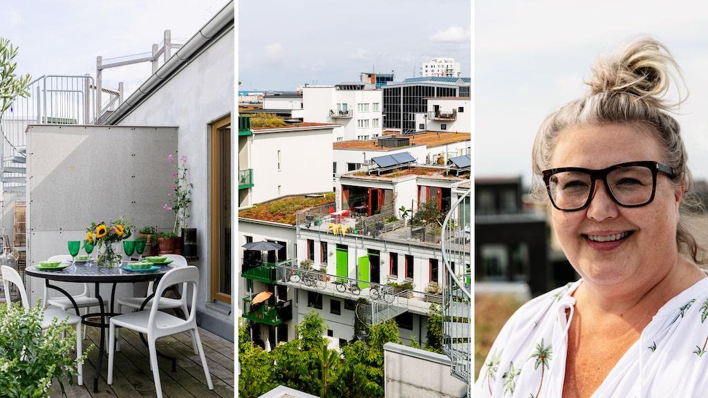Anettes lägenhet har två stora terrasser. Här är det dukat för lunch med tallrikar från Mateus och glas från Oscar & Clothilde. Trappan leder upp till Ohboy-husets gemensamma terrass. Stolar, Ikea.