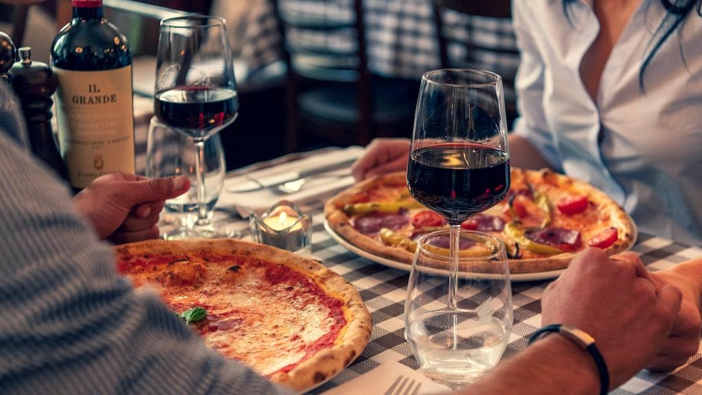 Vin till pizzan är en favoritkombination för många. Allt om Vins Gunilla Hultgren Karell hjälper dig att matcha rätt.