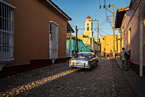 Trinidad öster om Havanna där kullerstensgator kantas av koloniala hus målade i lime, turkos, gult och aprikos – eller den färg man gillar mest.
