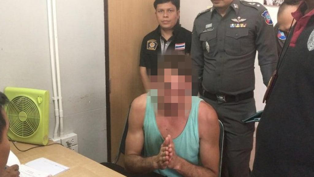 """<p>Polisen letade upp mannen, som utöver böter tvingades göra offentlig avbön. """"Jag ber alla i Thailand om ursäkt. Detta var inte bra, men jag hade druckit för mycket"""", sa den ångerfulle turisten.<br></p>"""
