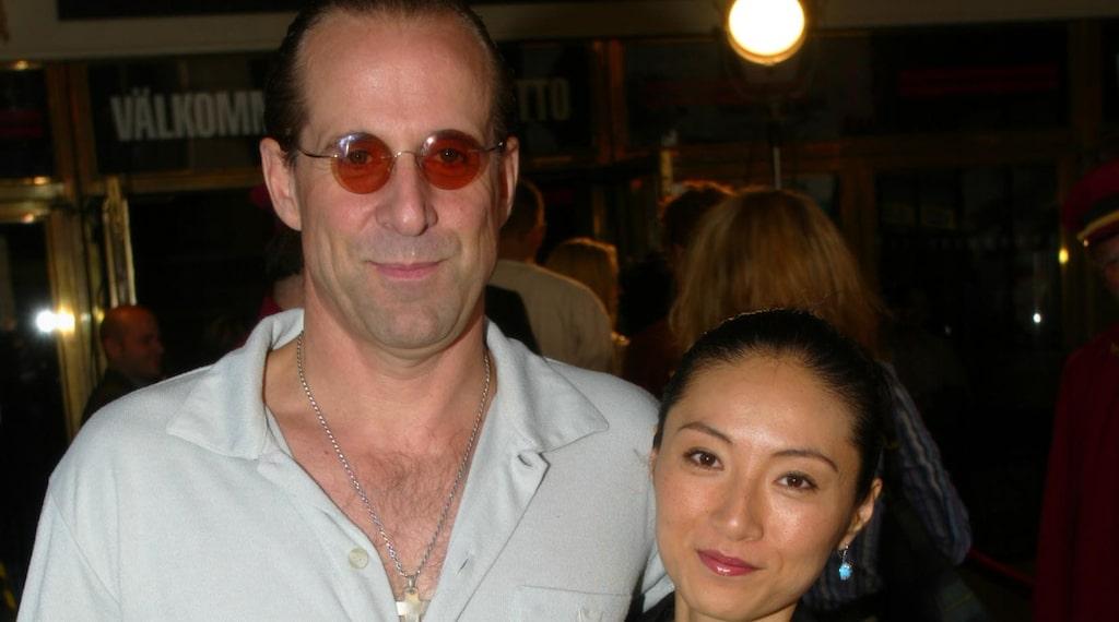 Peter Stormare med sin hustru Toshimi.