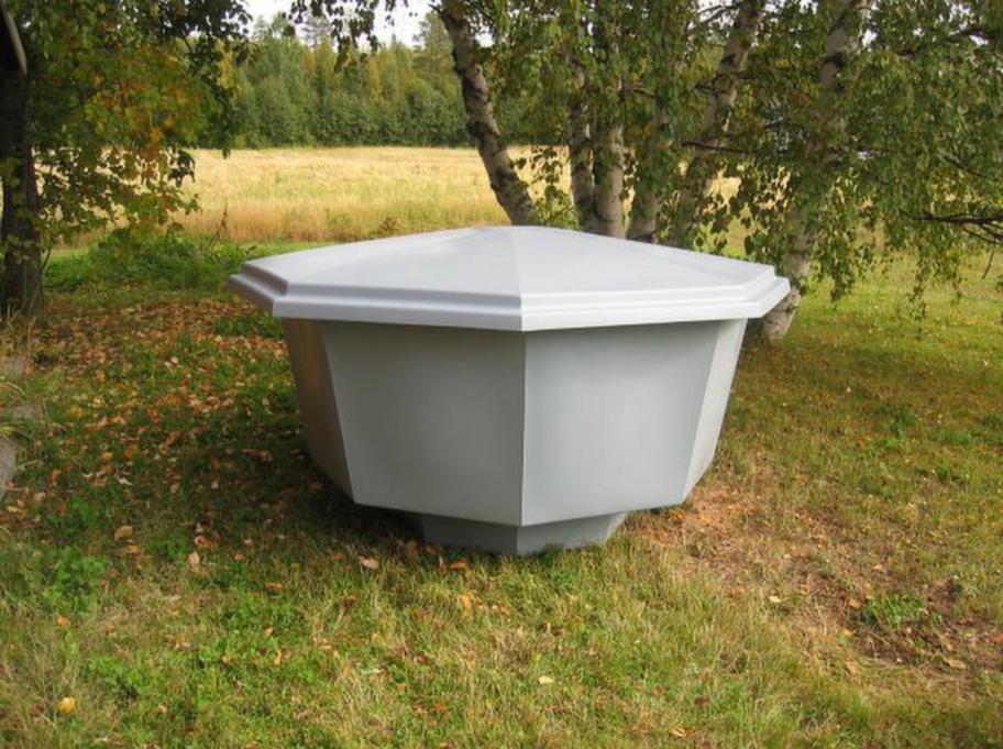 Prisvärd. Knappt 10 000 kronor är priset för själva poolen med lock från poltec.se.