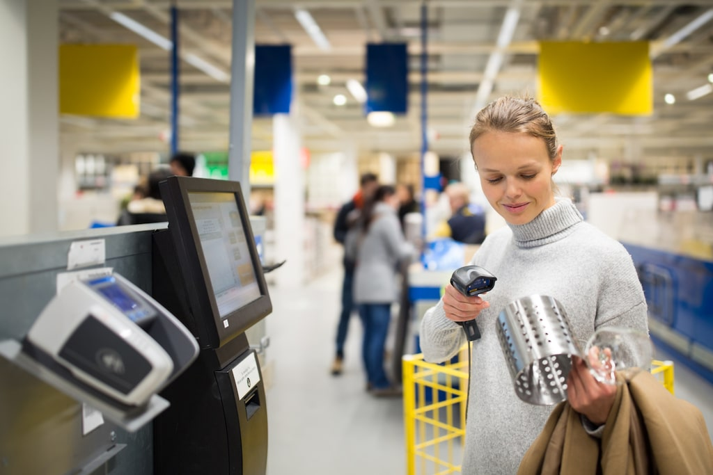 Visste du att konkurrerande möbelkonkurrenter lyckades få leverantörer att bojkotta Ikea, och att de därför började designa eget?