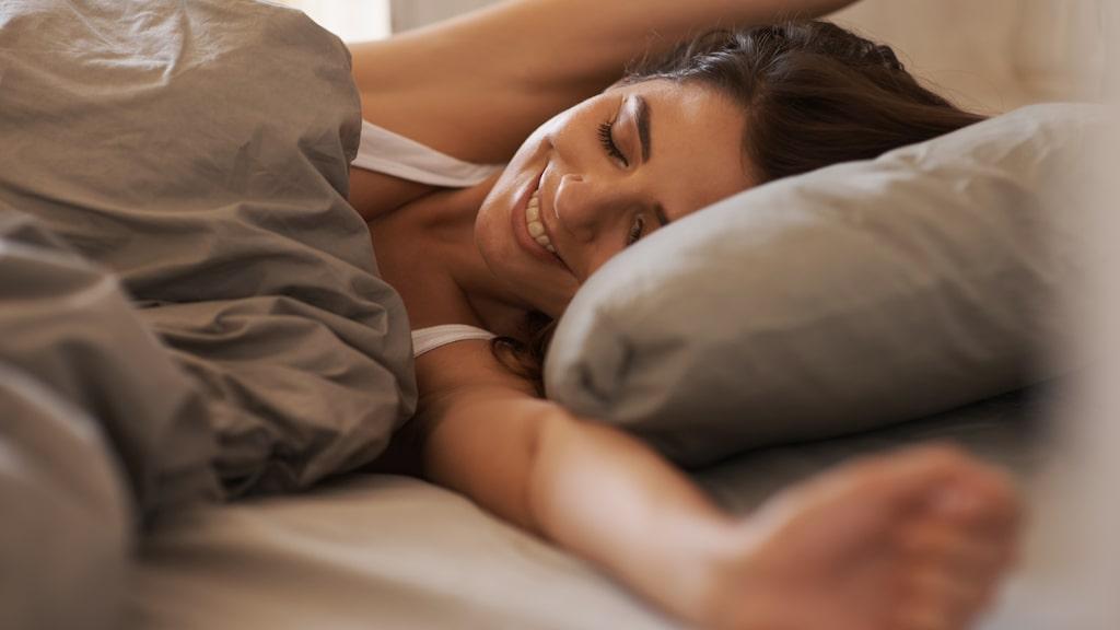 Studien pågick under 18 månader och efter avslut upplevde deltagarna mindre stress och minskad trötthet. De sov också längre.