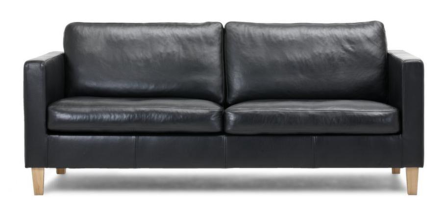 Stilren. Fin soffa Kivik i klassisk modell med läderklädsel, 12 990 kronor, Mio.