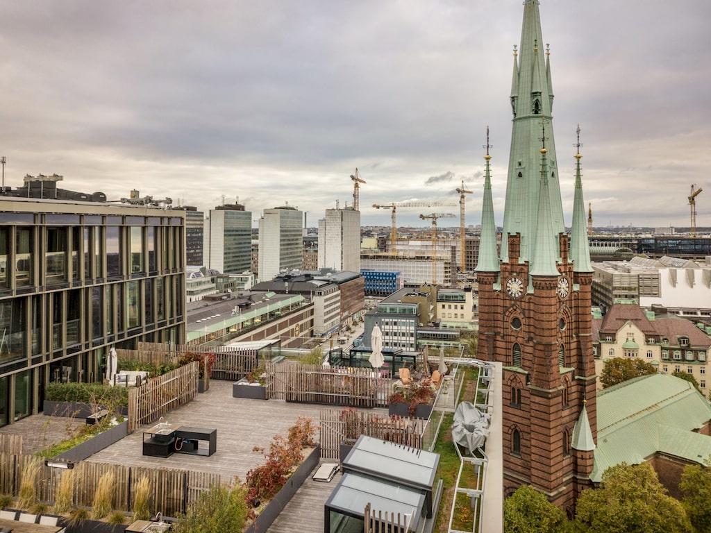 Med utsikt över city och Klara kyrka.