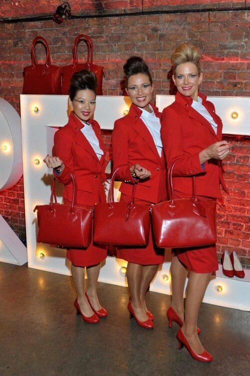 Virgin Atlantics flygvärdinnor är kända för sina markant röda läppar.