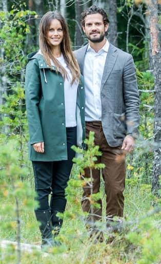 Prinsessan Sofia valde regnkappa och gummistövlar i Värmland