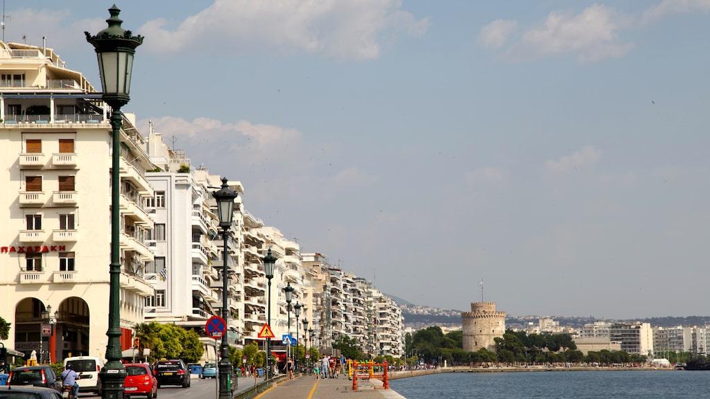Thessalonikis berömda strandpromenad med det karakteristiska vita tornet.
