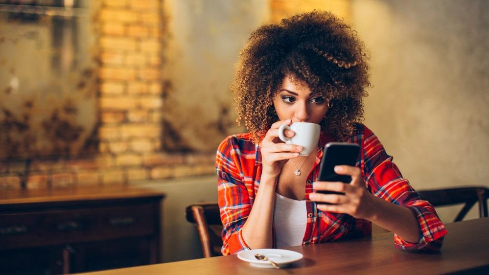 Varför är det så svårt att låta bli mobilen?