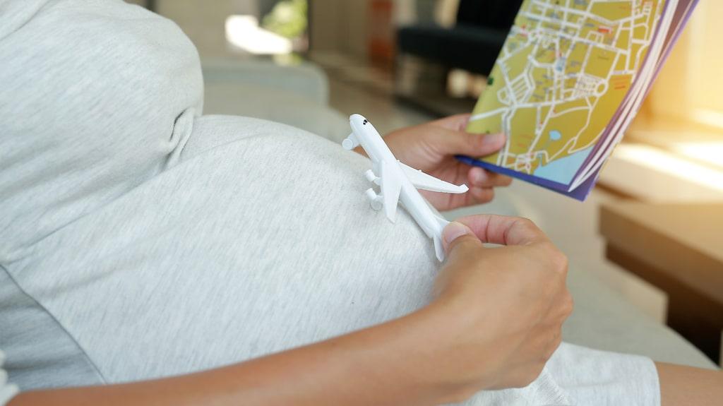 Innan du bokar din resa - se till att gå godkännande av din barnmorska.