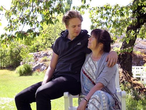 Sonen Valter är ett av syskonen som gått i pappa Stellan Skarsgårds fotspår och börjat med skådespeleri.