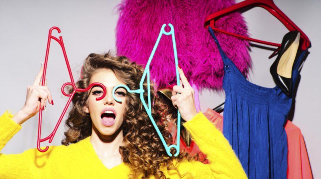 Tillhör du dem som spontanshoppar festkläder samma dag som festen?