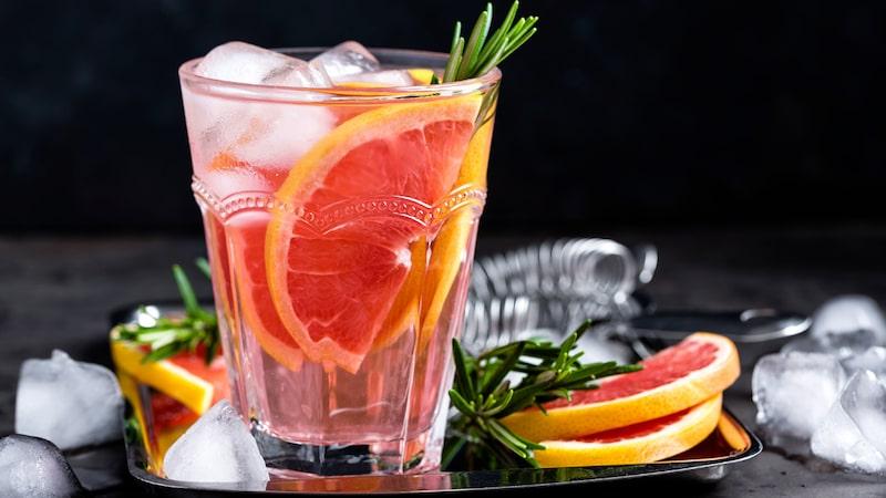 Rosa gin lär säkert uppskattas av alla drinkfantaster där ute.