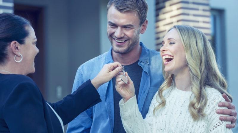 När du ska köpa bostadsrätt är det mycket att tänka på. Det gäller att hålla koll på allt för att vara så bra förberedd som möjligt.