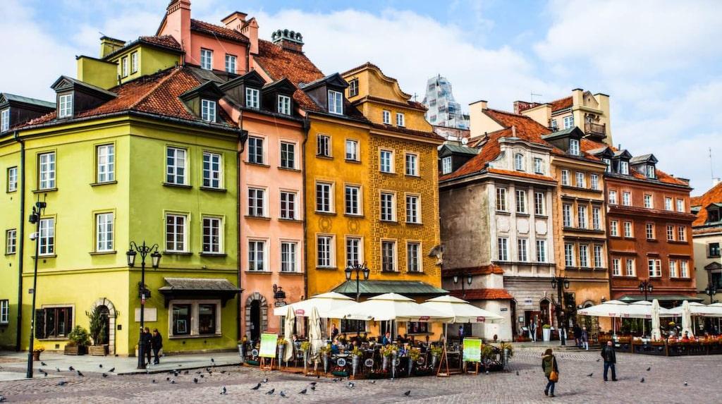 De låga priserna i Warszawa lockar konstnärer och andra kulturskapare som börjar tycka att Berlin är för dyrt.