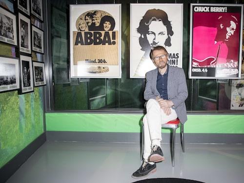 Björn Ulvaes var med när Gröna Lund Backstage - En unik fotoutställning invigdes på ABBA The Museum at Pop House.
