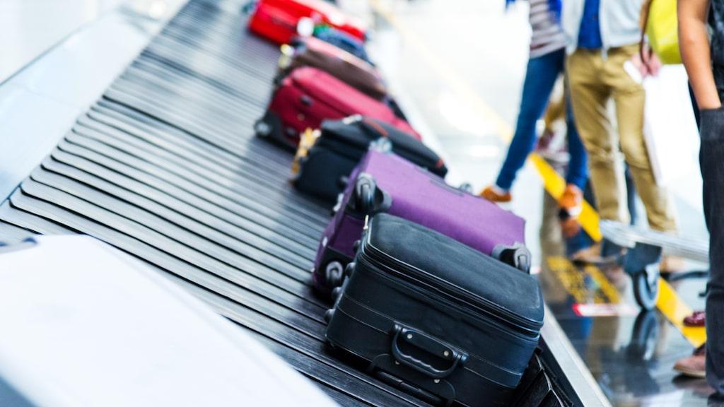 Bortglömda väskor måste lagras under 90 dagar. Sedan kan de säljas.