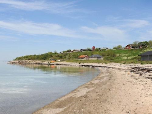 För att vara Öland är Äleklinta en liten strand.