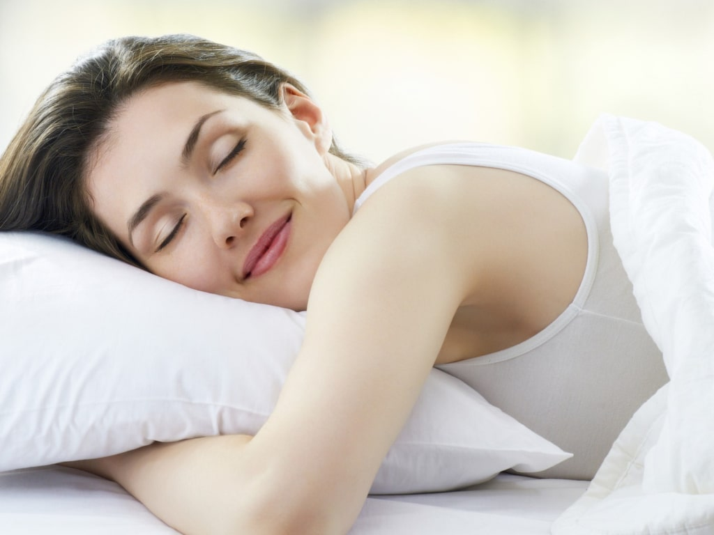 Doften av jasmin eller lavendel har en lugnande effekt och hjälper dig att komma ner i varv.
