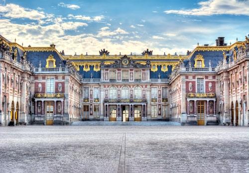 Pampiga Versailles, strax utanför Paris.