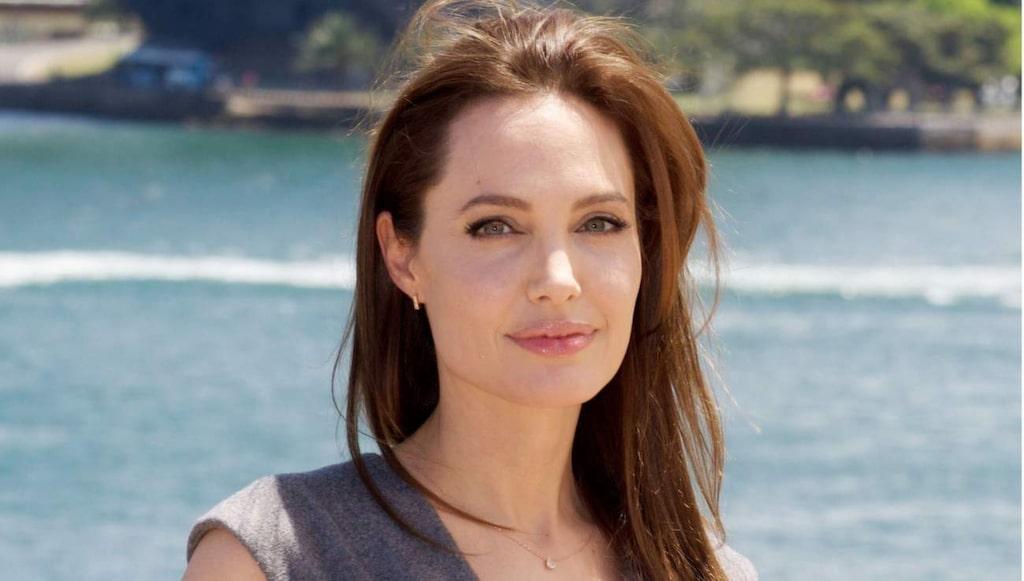 <strong>Fyrkantig ansiktsform - Angelina Jolie.</strong>