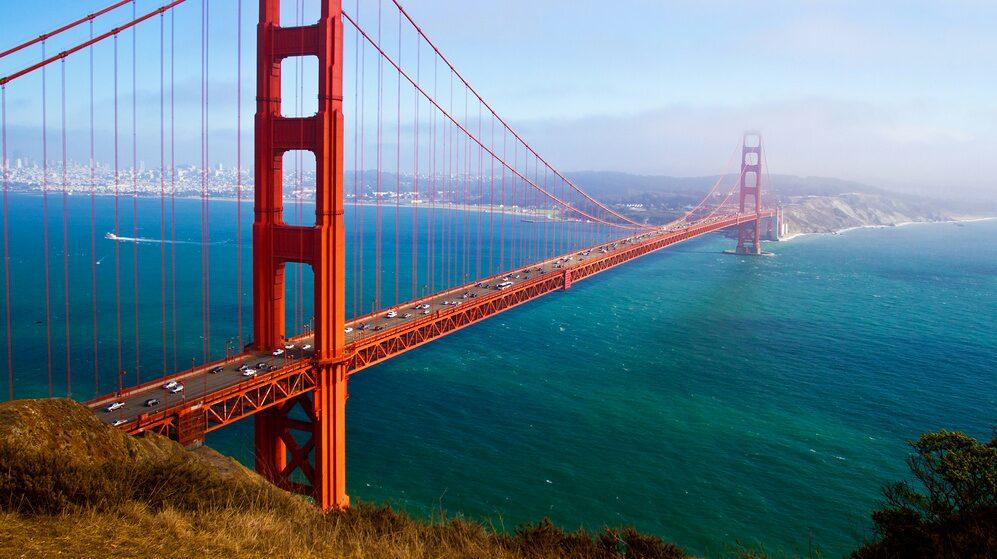 Ön ligger utanför San Francisco.
