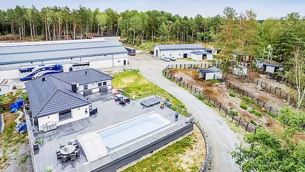 Hästgård i Bålsta för 49 miljoner kronor.