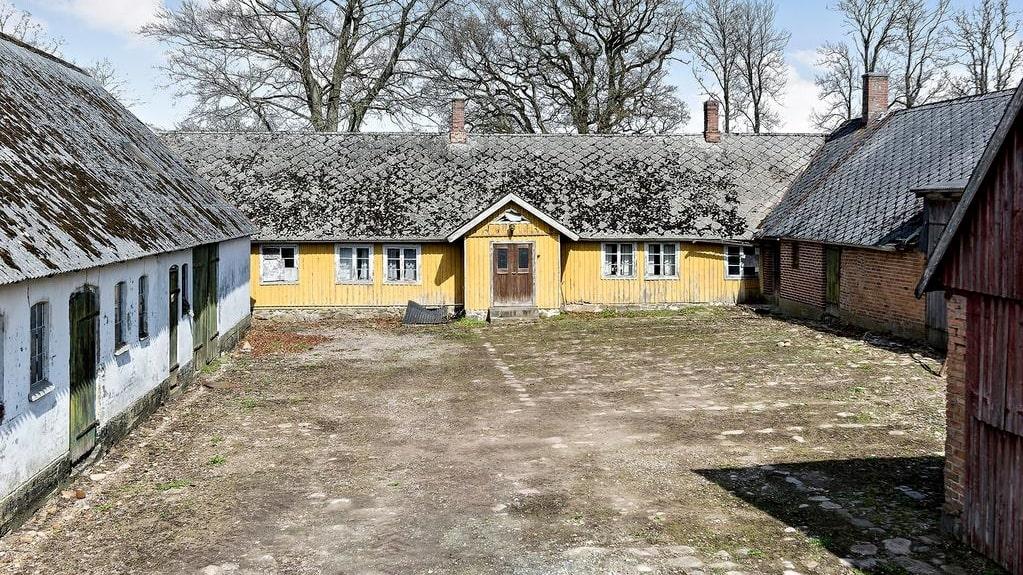 Den gamla Skånelängan med anor från 1700-talet är ett av de mest klickade husen på Hemnet just nu.