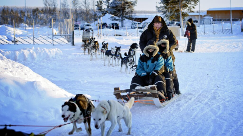 <p>Där är väl så här eller på skoter man tar sig fram i Norrland?</p>