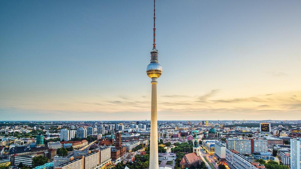 Tv-tornet, byggt 1965–1969, är ett av Berlins välkända landmärken.