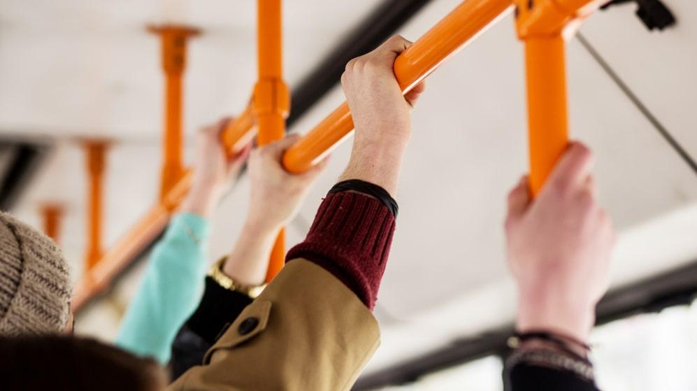 Kollektivtrafiken är en av alla smittohärdar.