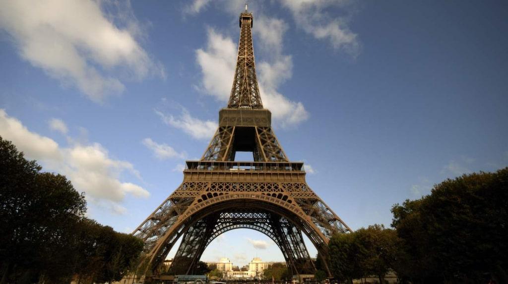 Det 324 meter höga Eiffeltornet byggdes som pampig entré till den stora världsutställningen i Paris 1889.