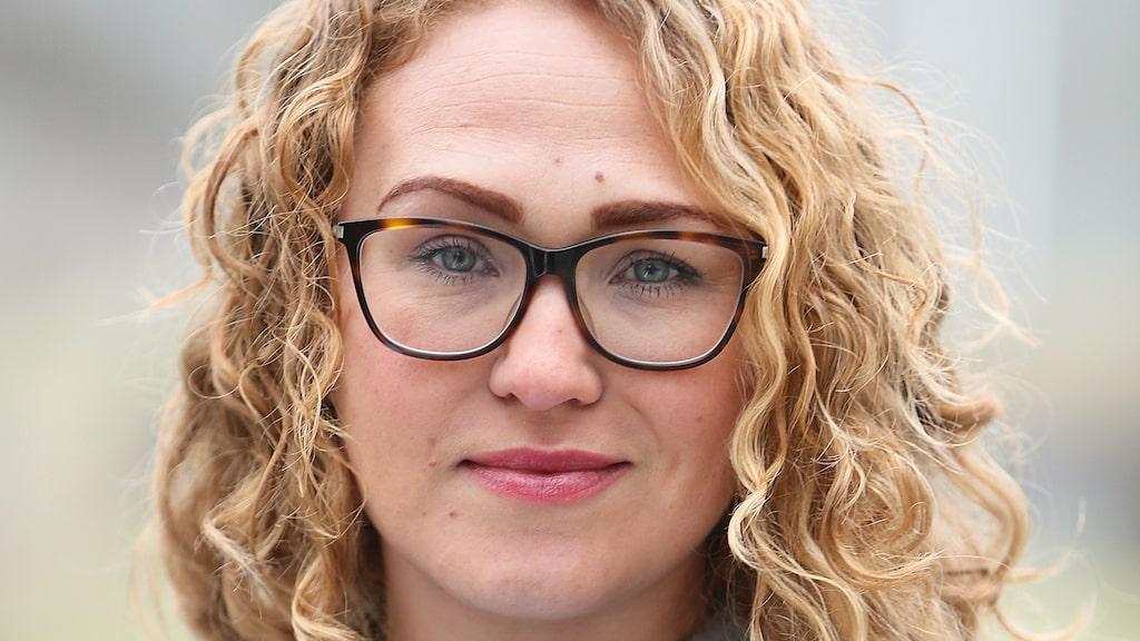 """Sofia Göthe är specialistläkare inom allmän medicin med smärta, stress och idrottsmedicin som specialområden. """"Skulle vården ha tid att sätta in resurser för smärtpatienter i ett tidigt stadium skulle mycket lidande undvikas."""""""