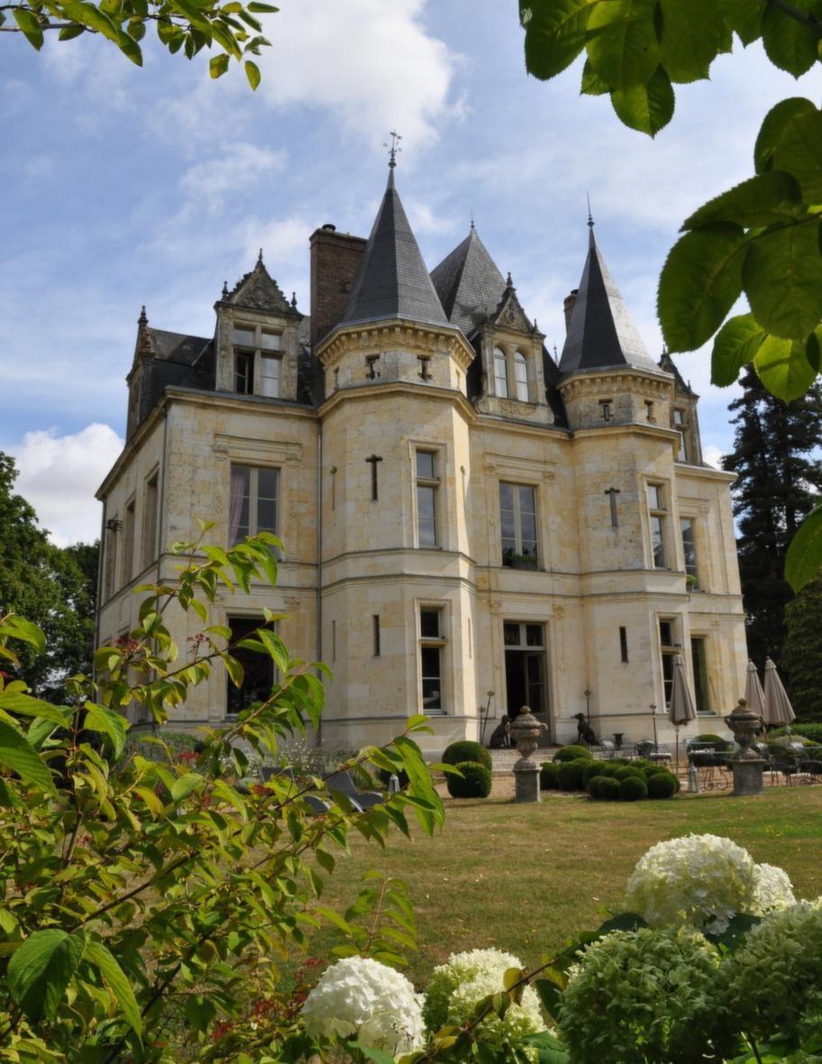 Allt från fördrink till femrättersmiddag ingår om man bor på ett franskt slott. Château de la Verrerie.