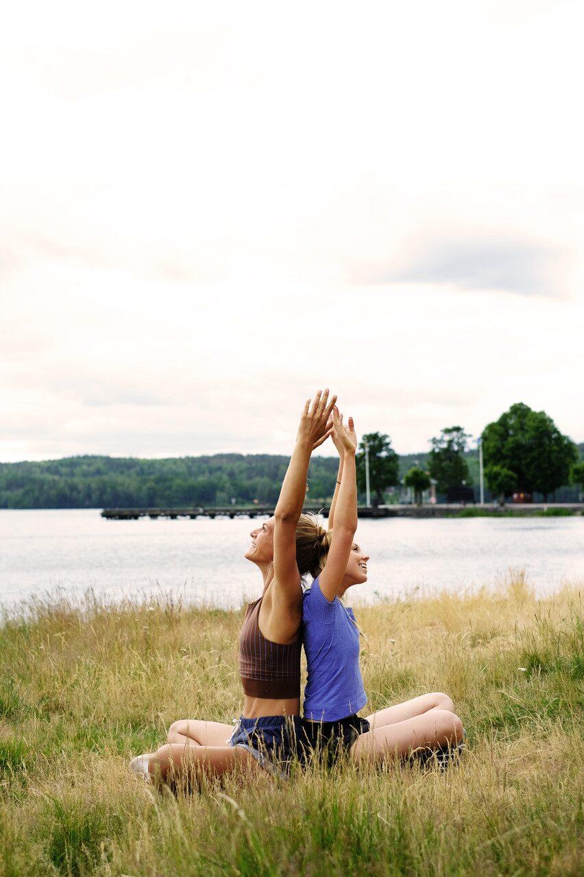 En stunds yoga tillsammans skapar en närhet som är svårslagen.