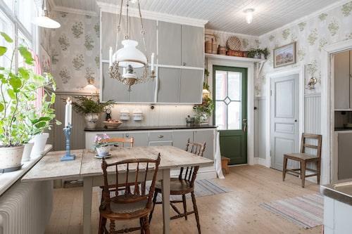 Köksluckorna är från 40-talet.