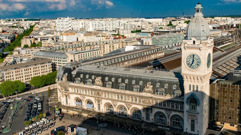 Bo på Marriott Courtyard och starta morgonen med att blicka ut över Paris.