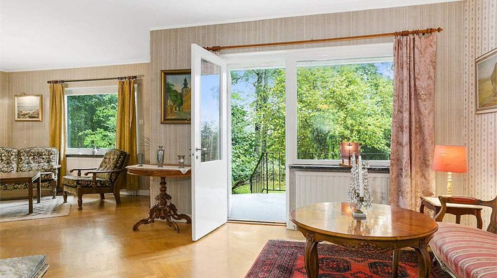Huset har åtta rum och kök och är på 175 kvadratmeter.