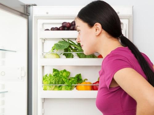Ta för vana att kolla kylen när du kastar soporna.