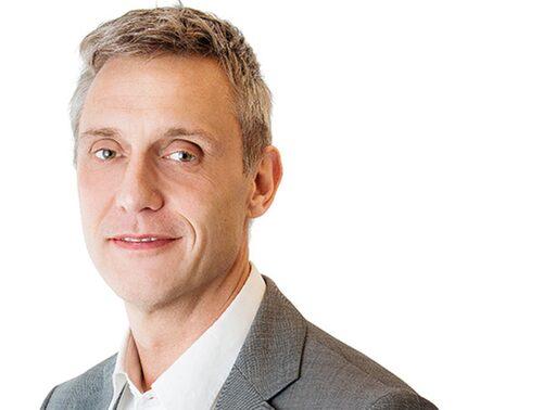 Anders Larsson vid Visbymäklarna.