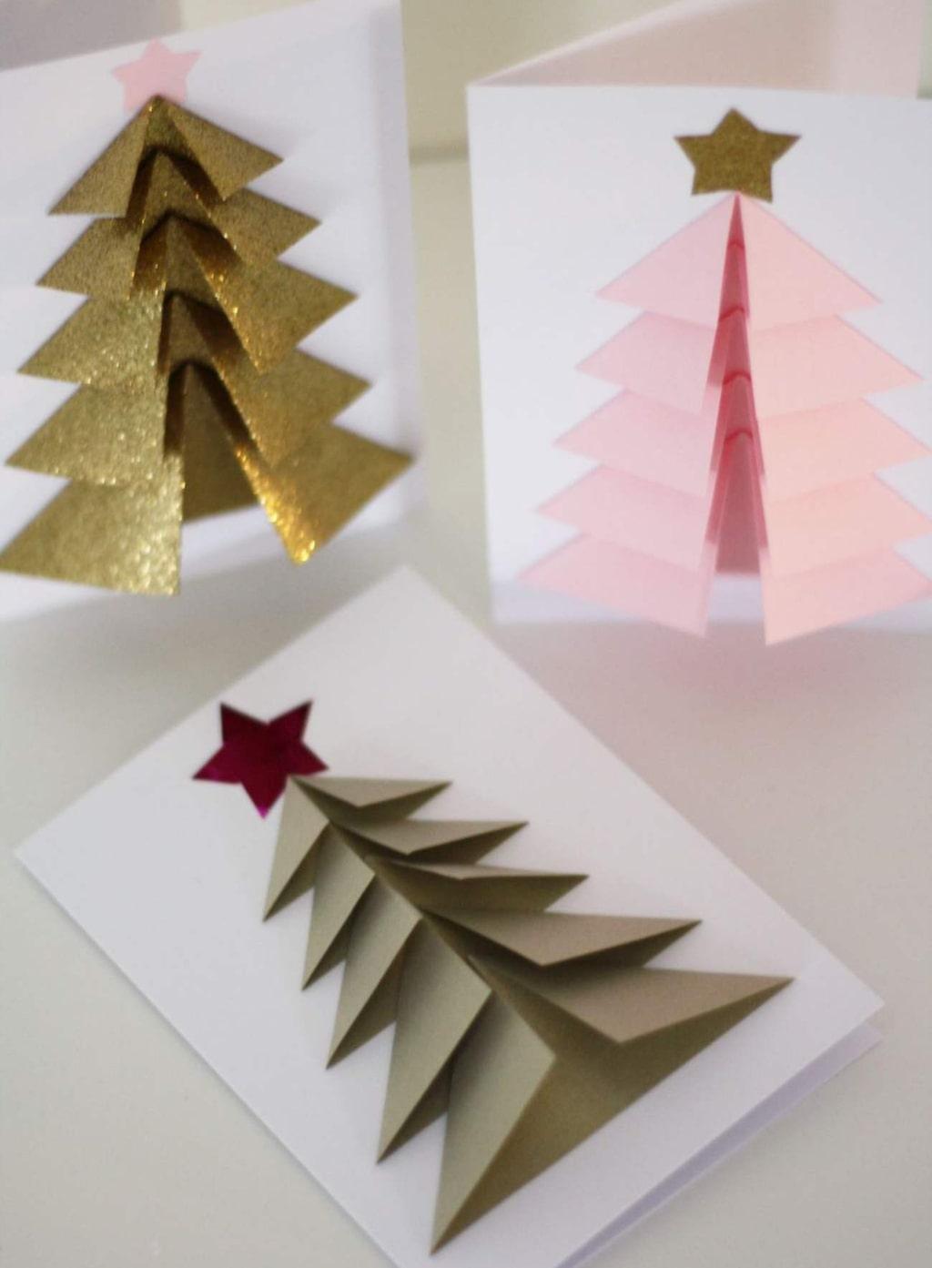 <p>Så här fina kan dina egna julkort bli. Vill du imponera på de du ska skicka julhälsning till är det bara att sätta i gång att pyssla.</p>