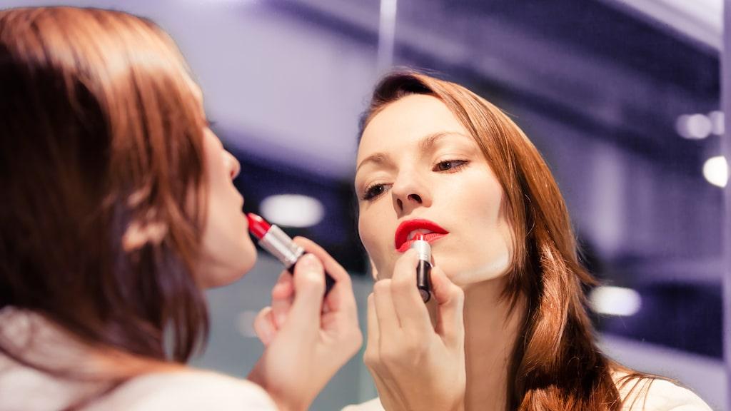 Tre enkla knep gör att ditt läppstift sitter både snyggare och bättre!