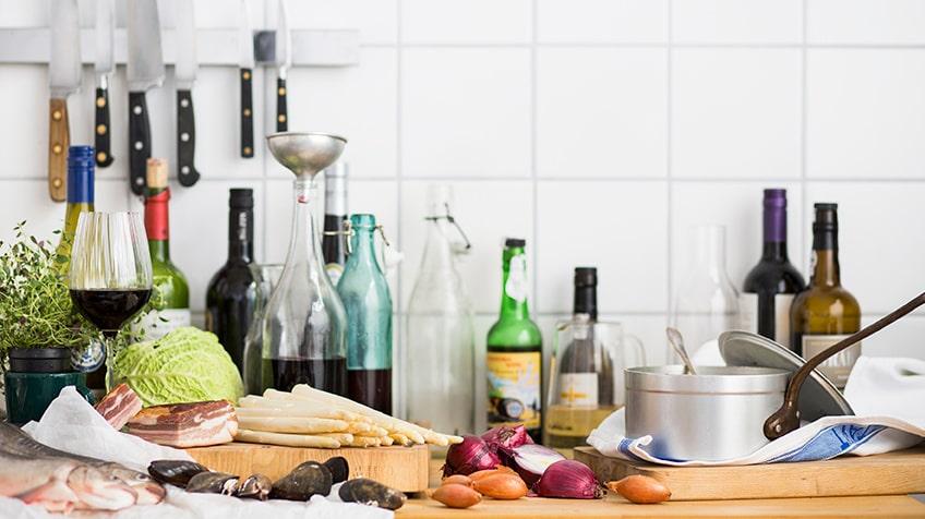 """""""När man väl bemödar sig att göra en riktig vinsås då blir gästerna lyriska"""", skriver kocken och matskribenten Jens Linder."""
