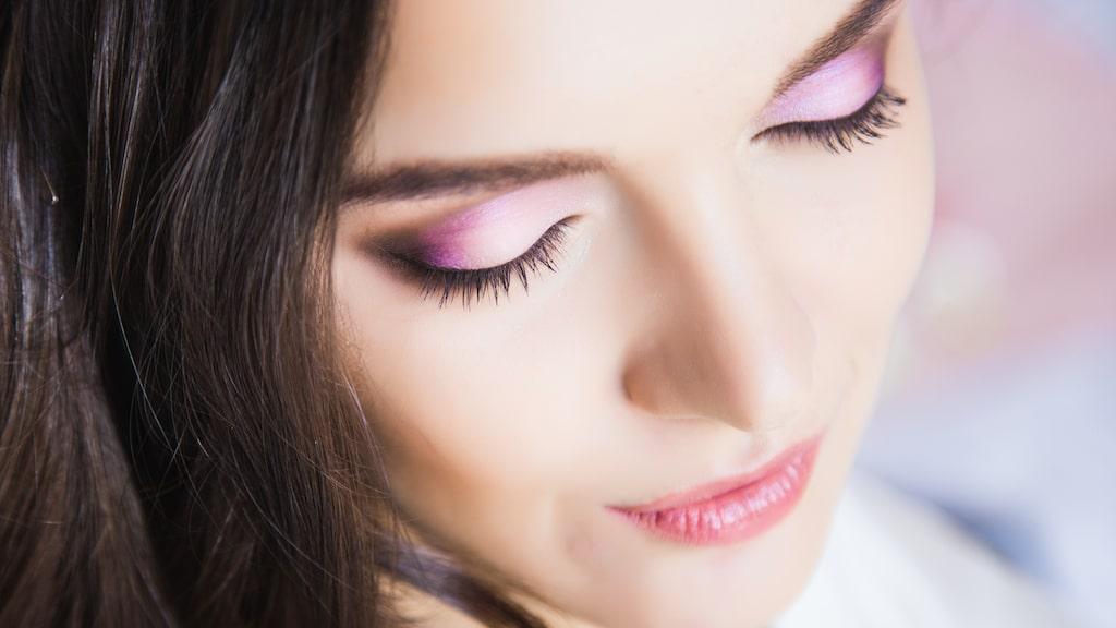 En snygg ögonskugga kan lyfta din look!